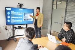 销售总监组织全体业务人员进行技能培训